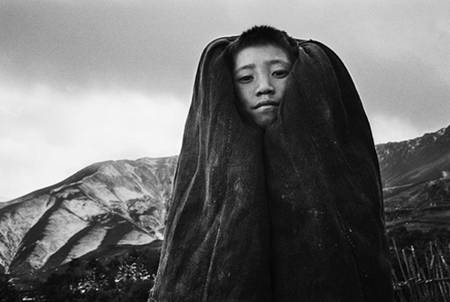 photo of a member of the Yi tribe