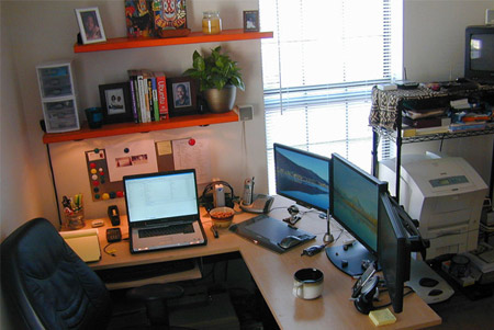 Impressive office desk setup Setup Ideas Theres Plenty Of Good Kit On Show In This Setup Including Dell Xps M170 Two Acer 19u2033 Widescreens And Samsung 22u2033 Dvi Widescreen But Somehow Grafix Pinterest 30 Enviously Cool Home Office Setups