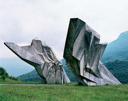Spomeniks by Jan Kempenaers