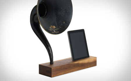 iVictrola iPhone dock