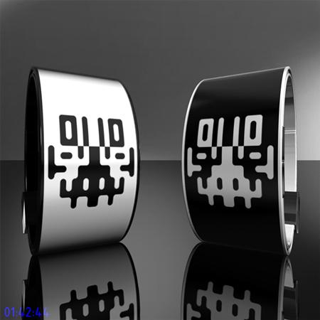 Inkblot Inspired E-Ink Watch