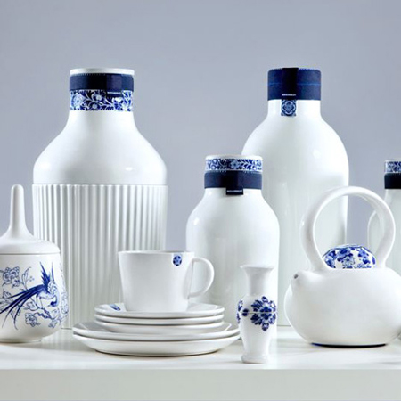 Blue D1653: contemporary Dutch porcelain