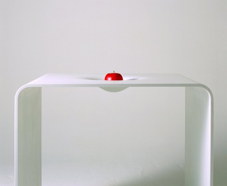Newton table by Makoto Tojiki