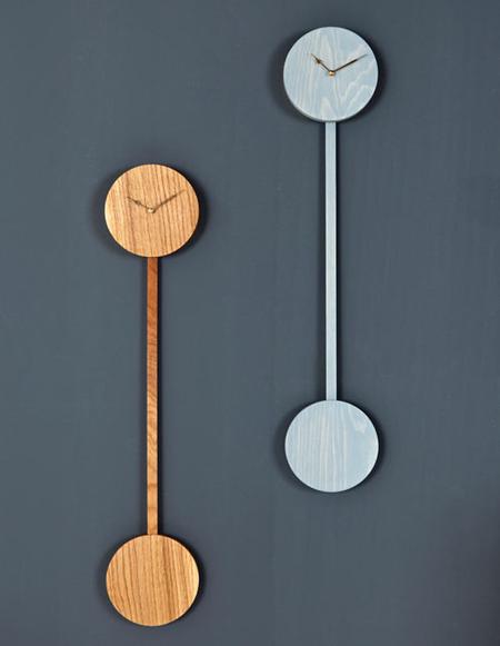 Modern pendulum clock