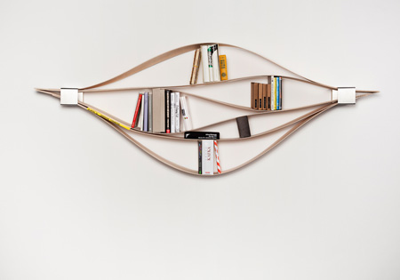 Chuck, a flexible bookshelf
