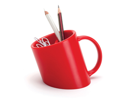 Titanic pencil cup holder