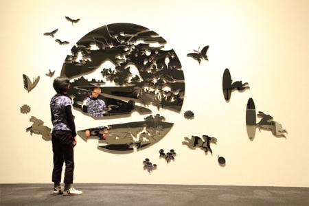 Misa Funai's mirror art