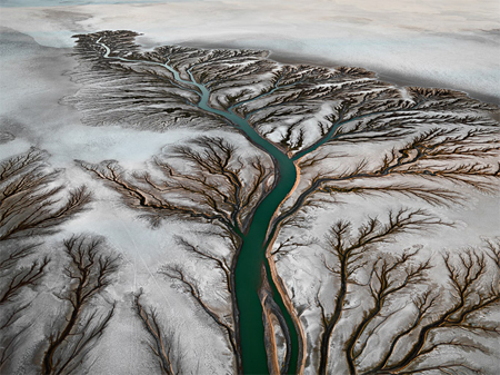Aerial views of photography by Edward Burtynsky