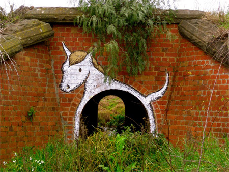8-tunnel-horse