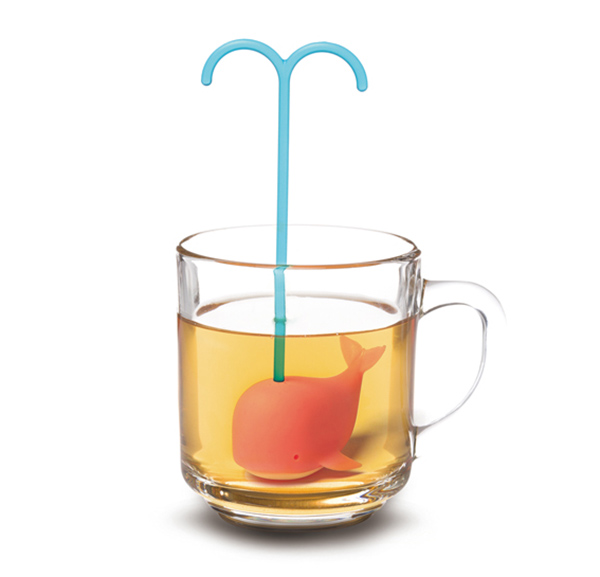 The cutest whale tea infuser