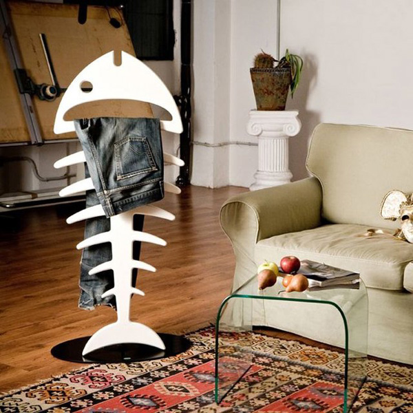 Santiago: a valet stand shaped like a fish skeleton
