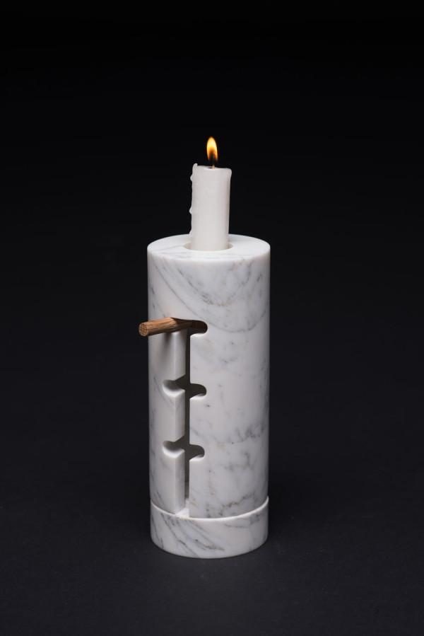 Odnosvechnik-Candle-Holder-Misonzhnikov-3-600x899