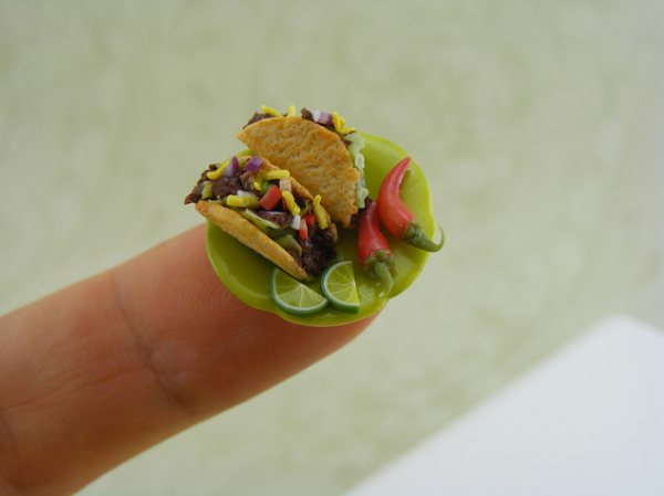 Amazing miniature food artworks by Shay Aaron