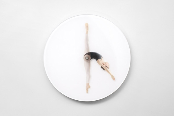 dancing-wall-clock-01