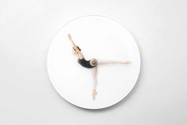 dancing-wall-clock-03