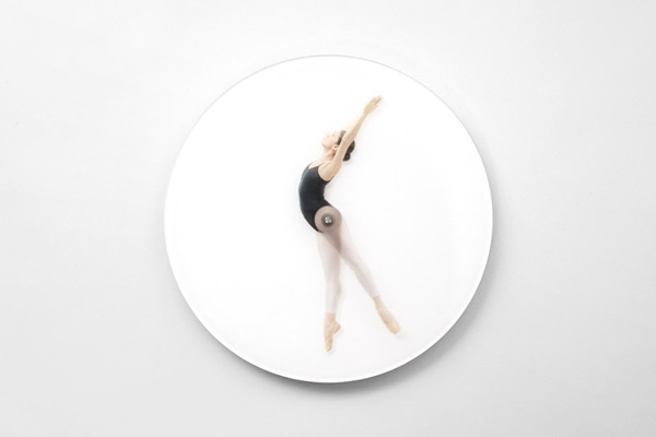 dancing-wall-clock-04