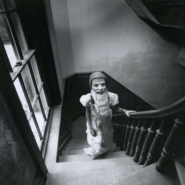 Childrens' nightmares turned into creepy photos