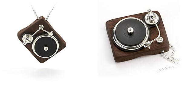 Jewelry for DJs