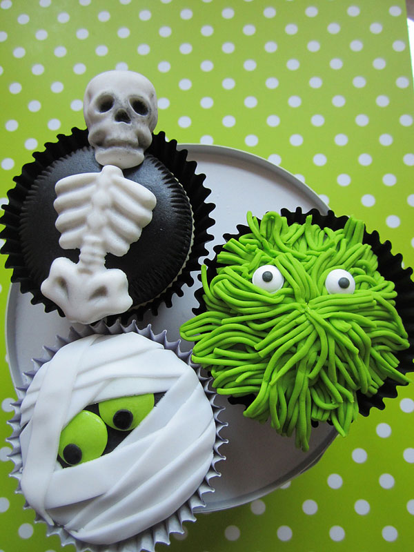 A collection of creepy cupcakes for Halloween
