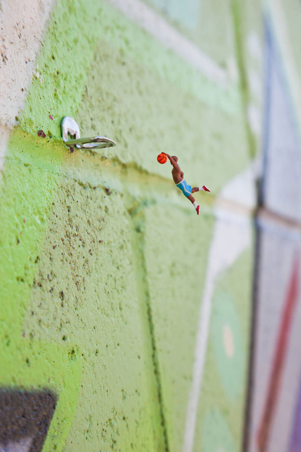 New miniature people in urban environment by Slinkachu