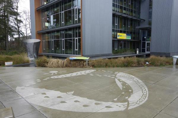 Illustrations-on-Sidewalks-Appear-When-Raining_7-640x426