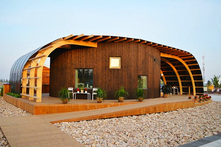 Sustainable Home Completely Powered by the Sun