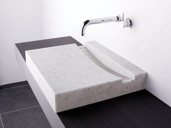 Simple Mosaic tile sink