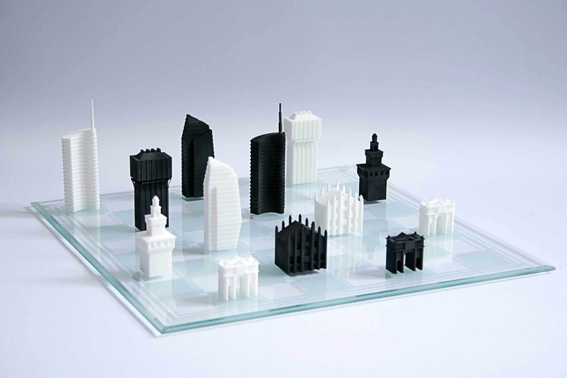 A 3D printed chess set with pieces inspired by Milano's skyline