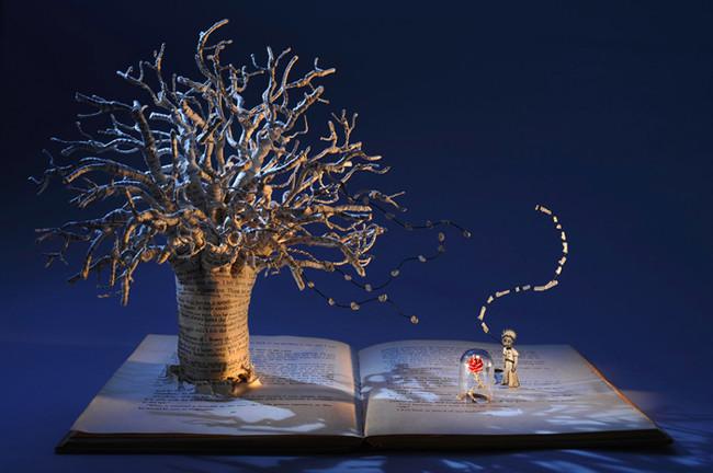 Impressive paper sculptures that illustrate books