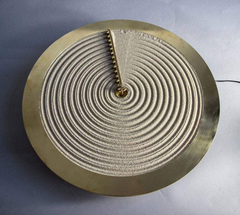 A sand clock inspired by Japanese zen gardens