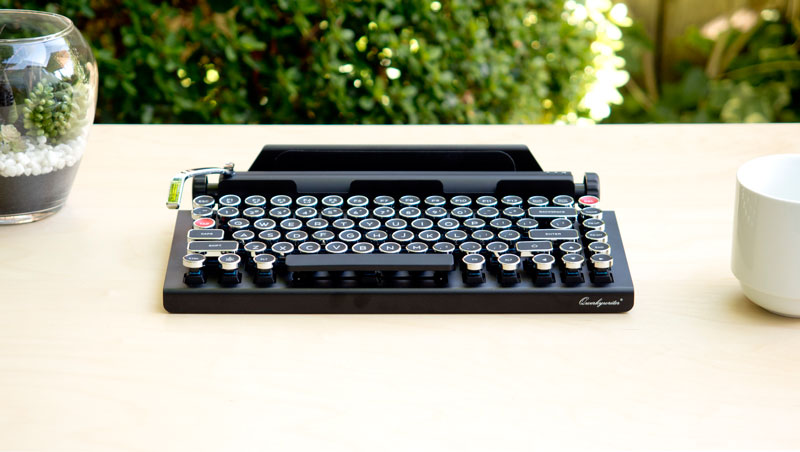 Qwerkywriter_Front