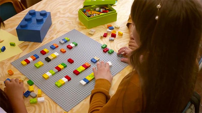 braille-bricks-help-blind-children-learn-literacy-11