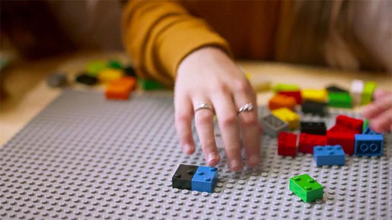braille-bricks-help-blind-children-learn-literacy-12