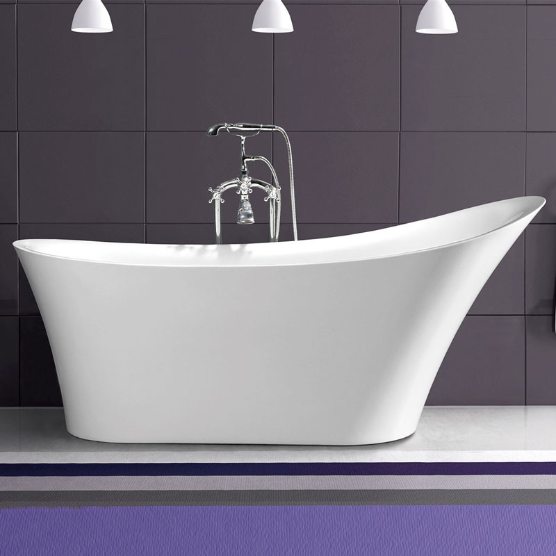 Add a touch of class to your bathroom with a freestanding for Free standing bath tub