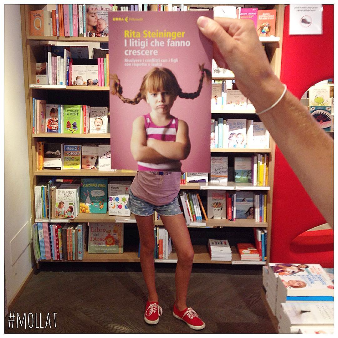 Creative photo campaign for the Mollat bookstores in France