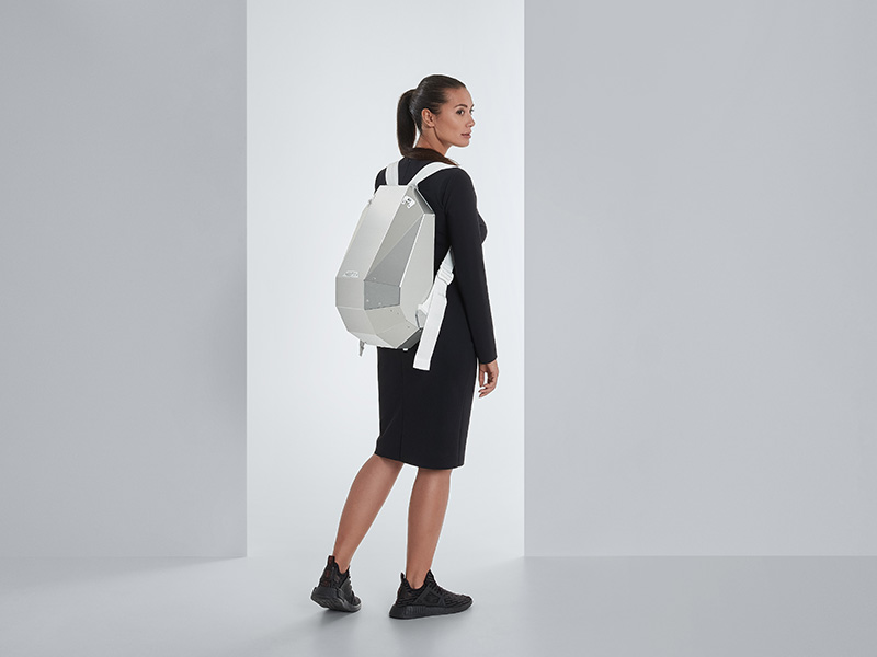 SOLID GRAY aluminium edition: an incredible backpack made of aluminium composite material