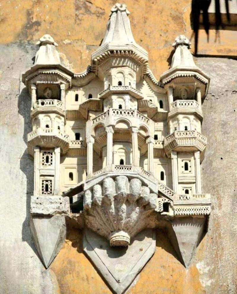 The gorgeous birdhouses of Istanbul