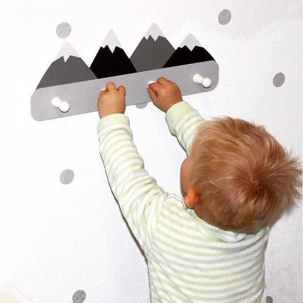 Nordic Style Wooden Mountain Kids Coat Rack Geometric Mountain Art Shelf For Clothes 4 Hook of 1piece Kids Room Decor Idea Gift 2