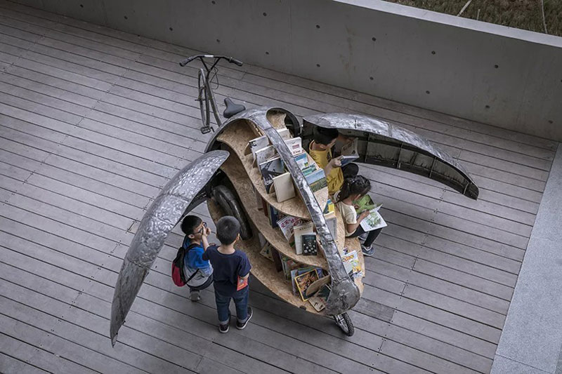 This Ladybird-Bike is a Moving Children Library