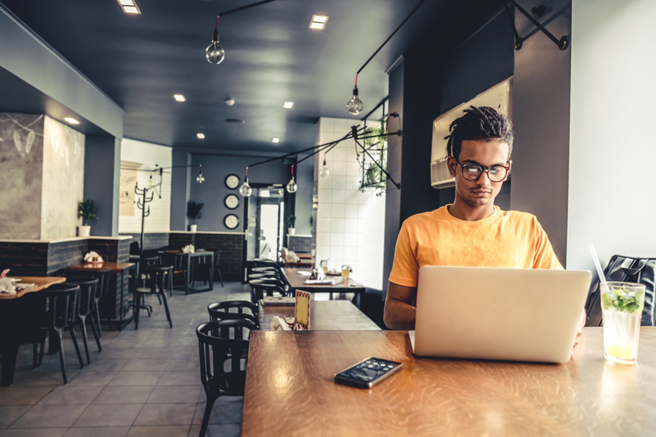 5 Tips for Starting Your Freelance Career