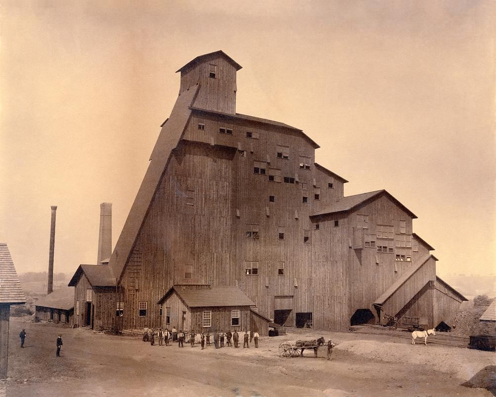 Massive Wood Structures of America's Early 20th Century
