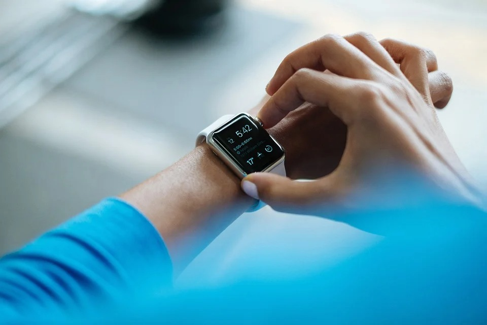 Benefits You Can Enjoy from Using a Smartwatch
