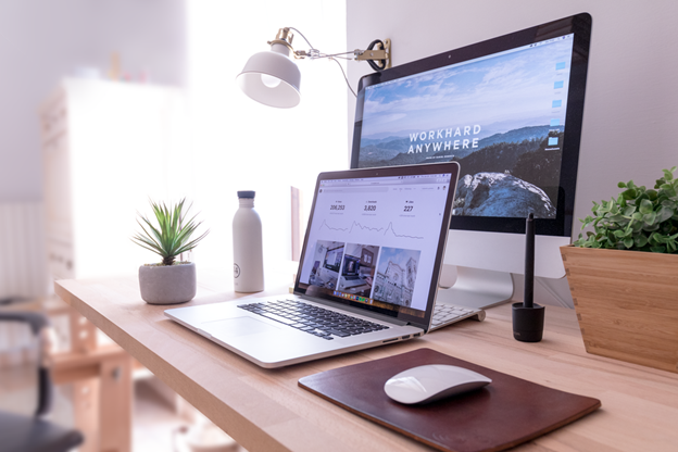 5 Reasons Why Every Freelance Web Designer Needs to Have a Contract