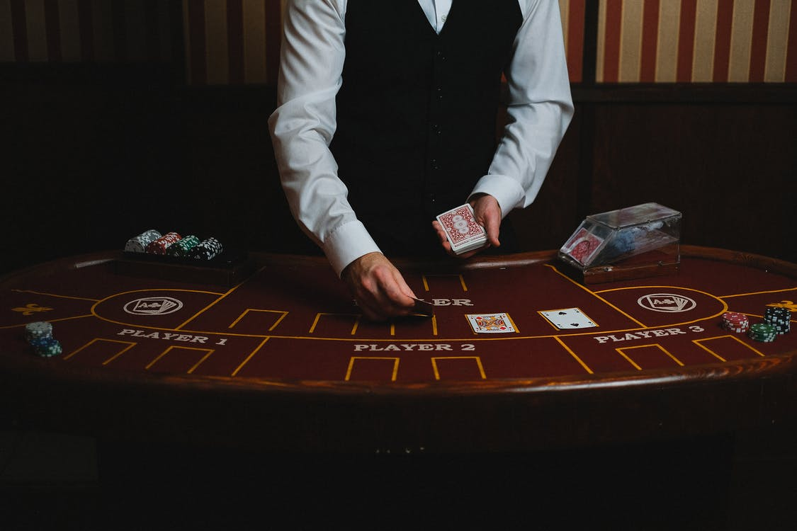 What Does it Take to Make a Standout Online Poker Game
